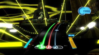 DJ Hero presents the player with three tracks, the green and blue corresponding to the two songs in the mix, and the red track for various effects. The symbols below the green and blue tracks represents the position of the crossfader control, while the arrow in the middle of the blue track represents the direction the player needs to turn the turntable.